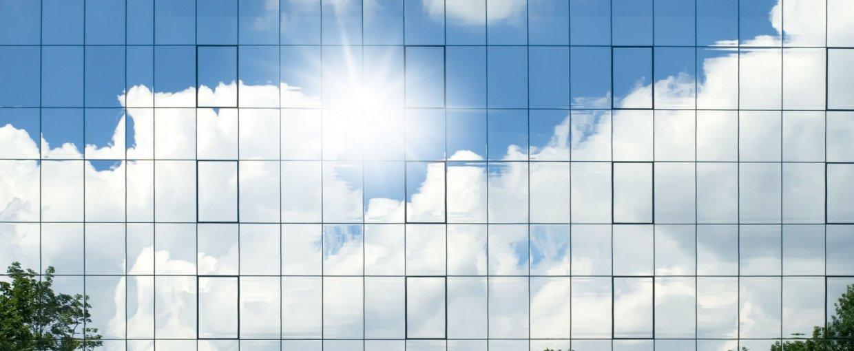 Solfilm med spejleffekt til indvendig montering mod varme, blænding & indkig